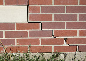 a foundation wall crack on a Mankato home.